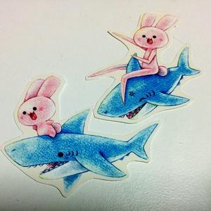 うさぎとサメステッカー