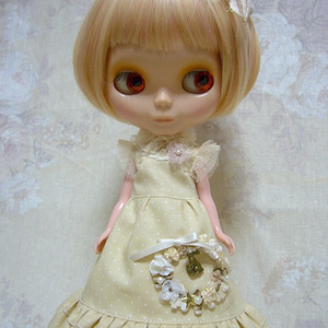 1/6Doll dress /  white wreath