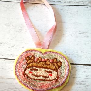 ダニのこころ刺繍飾り物
