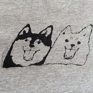 シバイヌブラザーズのTシャツ