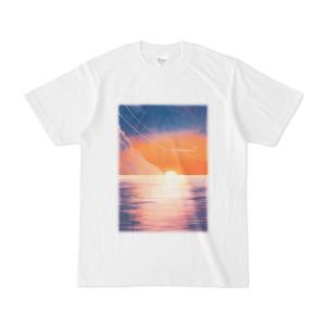 背景Tシャツ 夕日の海