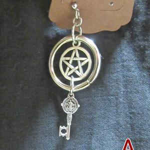 五芒星と鍵のピアス(1個販売)