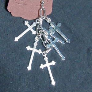 十字架のピアス(1個販売)