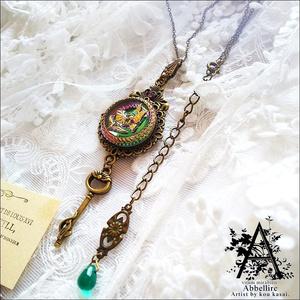 蝶と花の金古美ネックレス