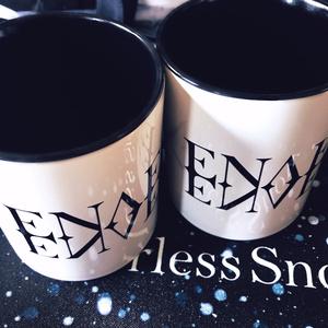 ENAENAロゴマグカップ ブラック&ホワイト