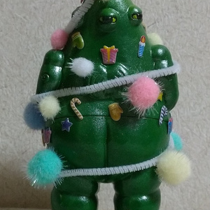 松村魂オリジナルソフビ「クリスマスツリー怪獣ダスティ」