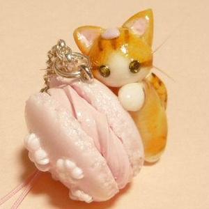 にゃんこのしっぽ○桜マカロンのストラップ〇茶とら白猫
