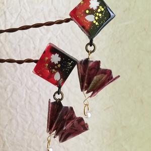 紅桜 扇の四角型ピアス