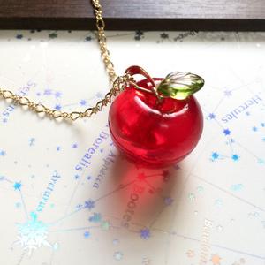 ころころりんごのペンダント