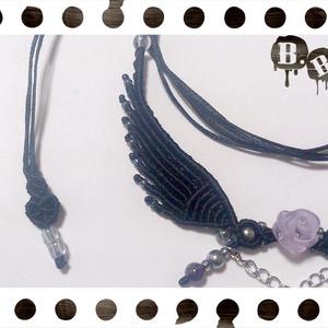 薔薇と翼のネックレス【アメジスト】【ブラックコード】【ハンドメイドアクセサリー】