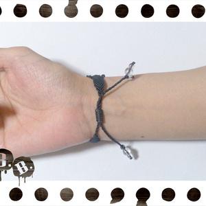 三連ブレスレット【ミックスジェイドグリーン】【ブラックコード】【ハンドメイドアクセサリー】