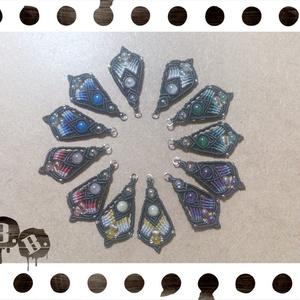 花弁のピアス【ブルーアゲート】【ブルーグラデxブラック】【ハンドメイドアクセサリー】
