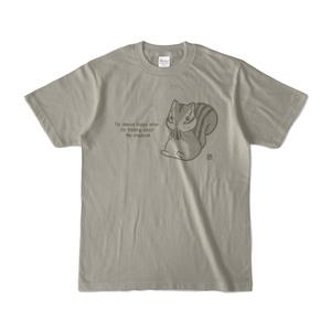 シマリス考_お食事中りすさん_カラーTシャツ