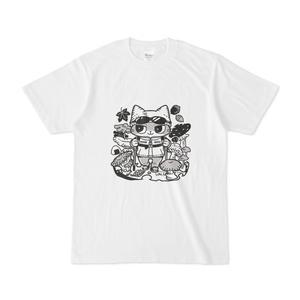 トレッキングをする猫Tシャツ
