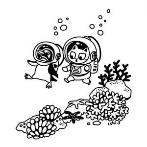 潜水するペンギンと猫Tシャツ