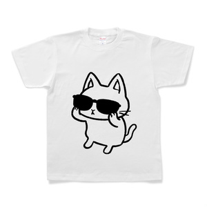 サングラスをかける猫(黒)