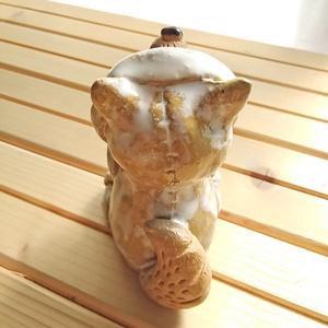 陶人形 フードオオカミ(アノラック風)