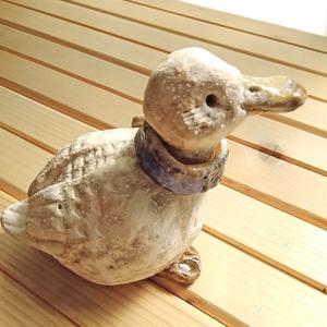 陶人形 マフラーアヒル