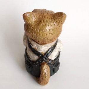 陶人形 オーバオールねこ