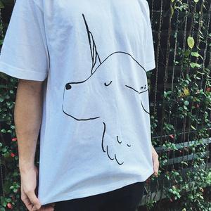 大きなイヌコーンTシャツ