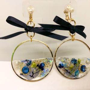 【えるれさん専用】花のイヤリング&青のイヤリング
