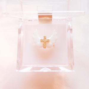 羽根と十字架のピンキーリング