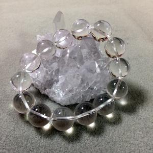 水晶ブレスレット 14mm玉 内径15.5cm