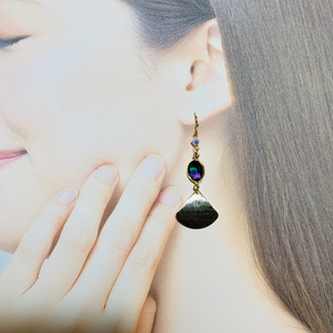 岩融イメージブレンドカラー耳飾り