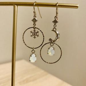 宝石の国月人とアンタークチサイトイメージ耳飾り