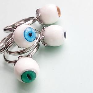 眼球の6つ爪リング
