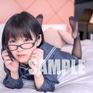 地味っ娘が制服でお風呂に入るROM