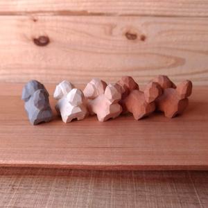 ちっこいトイプーと、まめトイプーの木彫り