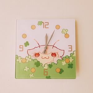 羊セミ壁掛け時計