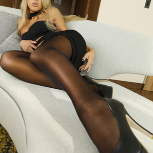 Black Pantyhose3