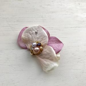花のイヤーカフ