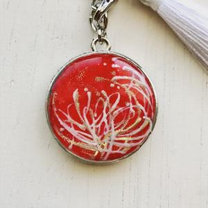 桜吹雪に菊の華 バッグチャーム