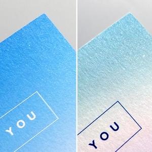 煌めく青のグラデーションカード