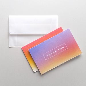 煌めく赤のグラデーションカード