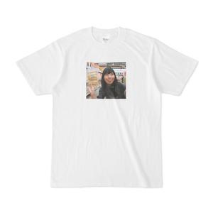 Tシャツ「二木の菓子に行くと興奮してしまう」古賀及子