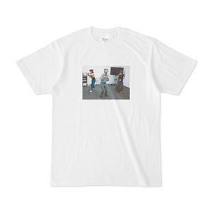 Tシャツ「VR体験をしている人とゴーグルをかぶっているだけの人を見分けられるか」ほり
