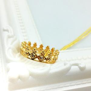 王冠ネックレス