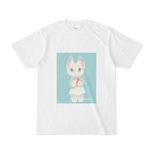 白ワンピース白猫