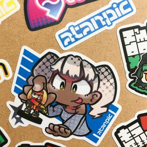 ステッカー:ミニチュアゲームで遊ぶ子ちゃんV2【白】