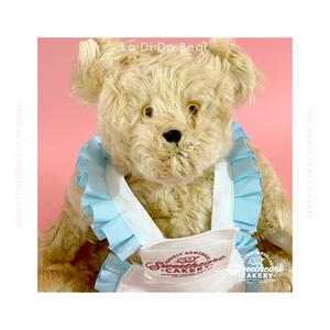 Waitress Bear(La Di Da Bear)