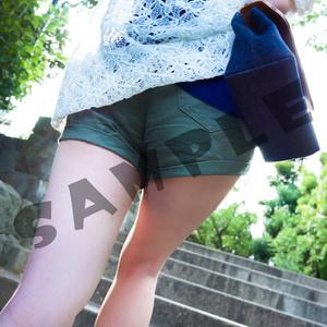 夕暮れまでお散歩 -黒眼鏡×ショートパンツ-