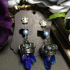 百合の王冠と青の結晶
