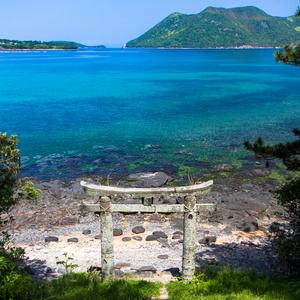 キャンバス地パネル写真「小値賀島の地ノ神島神社鳥居」