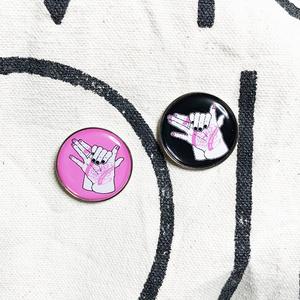 春の犬夢 ピンバッジ ピンク