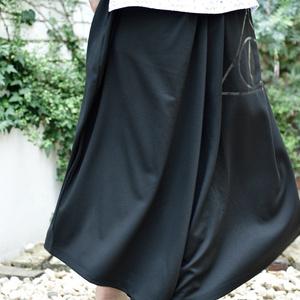 宿命の黒パンツ