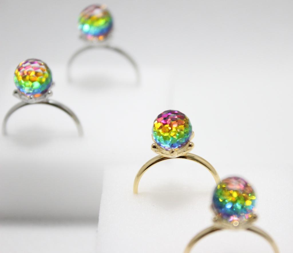 虹の欠片の指輪
